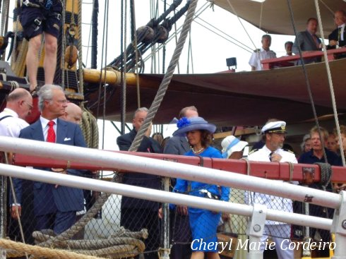 H.R.H. the King Carl XVI Gustaf and Queen Silvia of Sweden disembark the Goteborg III and officially set foot on Chinese soil.