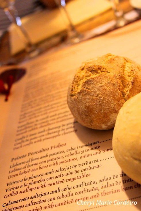Els Quatre Gats, bread on menu.